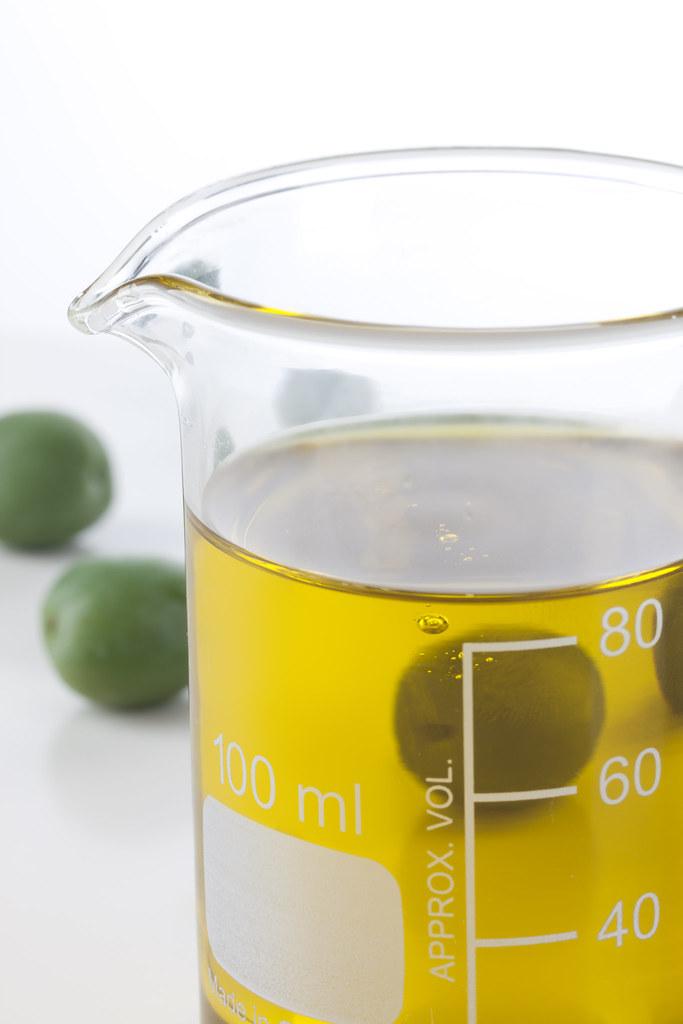 Bild: Oliven, Olivenöl